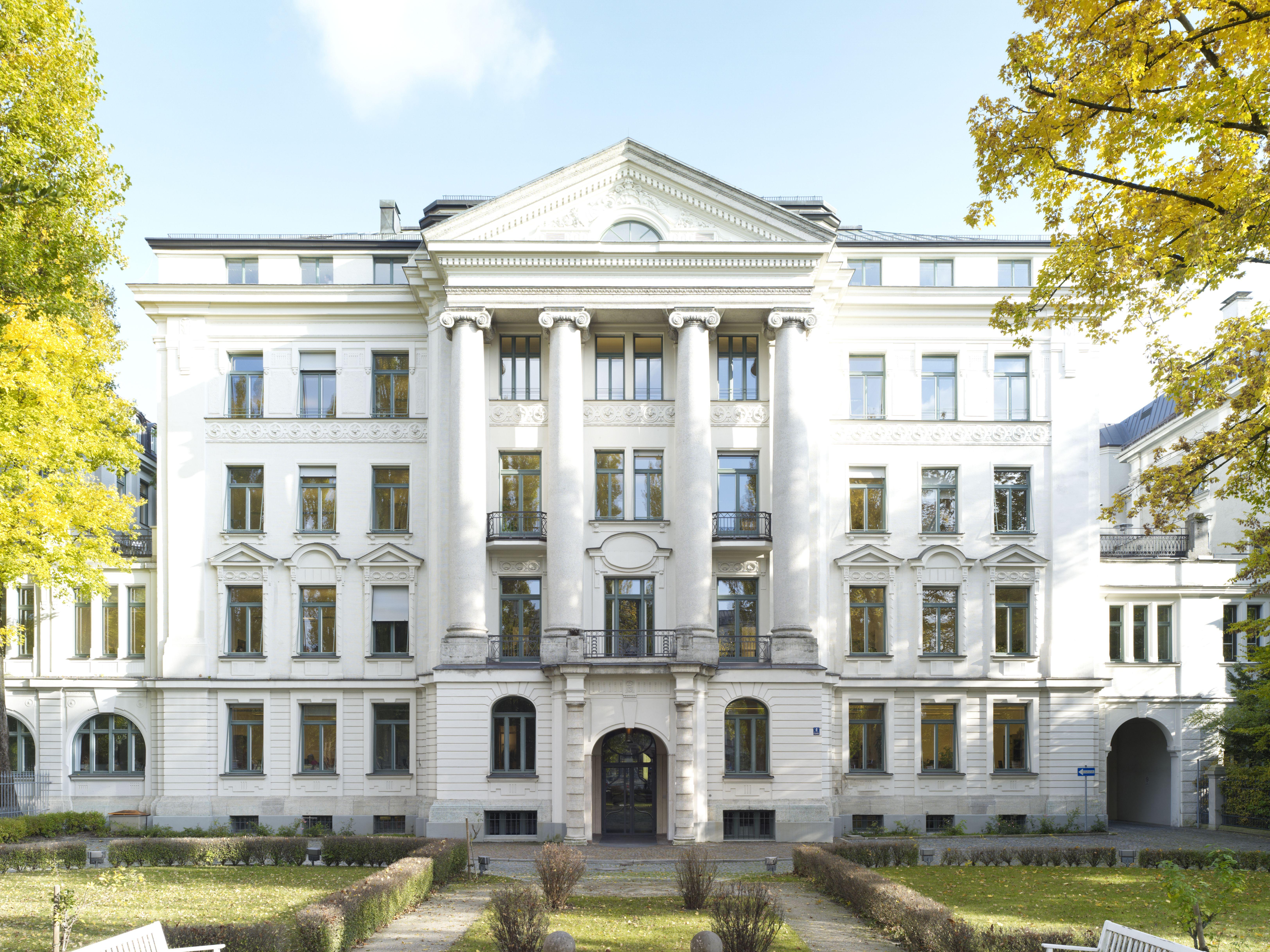 Image of: Google Office Munich Set In Next Grnecker Patent Und Rechtsanwlte Partg Mbb Munich Office